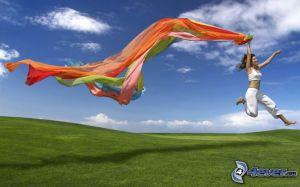 saut-heureux,-voile,-prairie-verte-154638